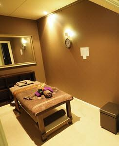Crows Nest Velvet Relax Massage